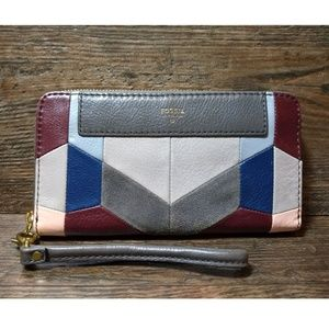 Fossil Leather Geometric Patch Clutch Wallet